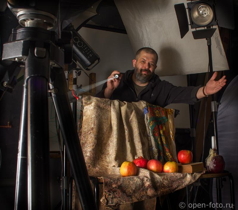 Евгений Колков, основатель Школы фотографии OPEN FOTO, приглашает на воркшоп по фотосъемке натюрморта и созданию календаря на 2015 год