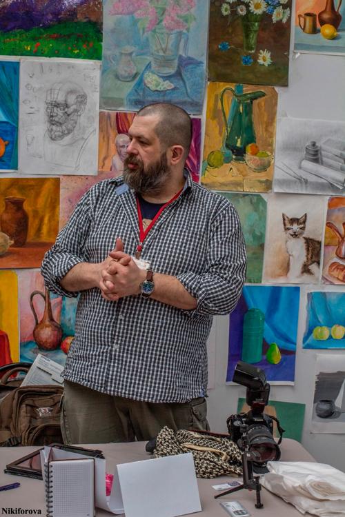 Евгений Колков, основатель Школы фотографии OPEN FOTO, на выставке «МАСТЕРскаЯ».  Автор фото - Екатерина Никифорова