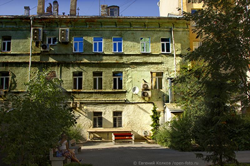 Фотопрогулка Школы фотографии OPEN FOTO «Вниз со Сретенского холма»