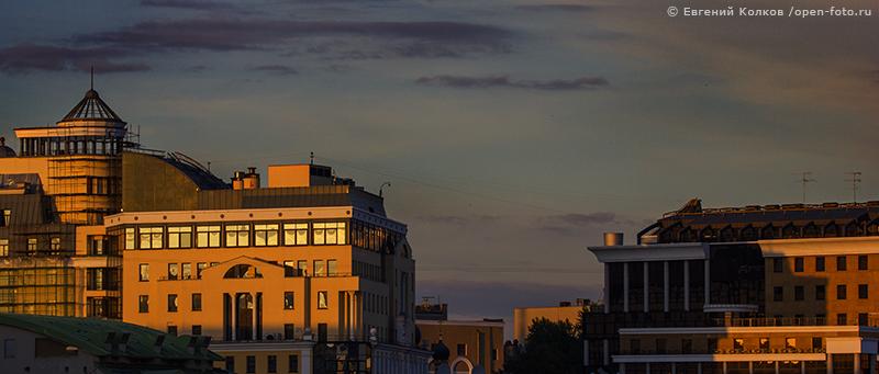 Фотопленэр Школы фотографии OPEN FOTO «Крымский мост в сиянии огней». Автор фото - Евгений Колков