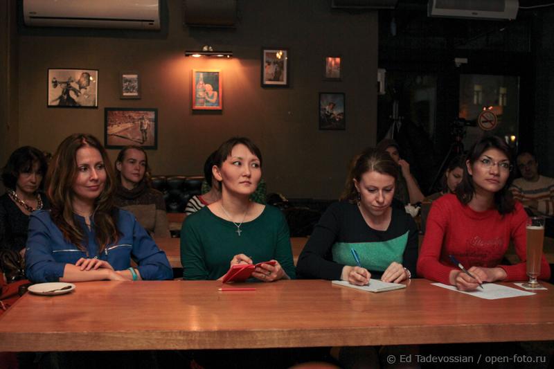 Мастер-класс Школы фотографии OPEN FOTO по технике «световая кисть». Автор фото - Эдуард Тадевосян