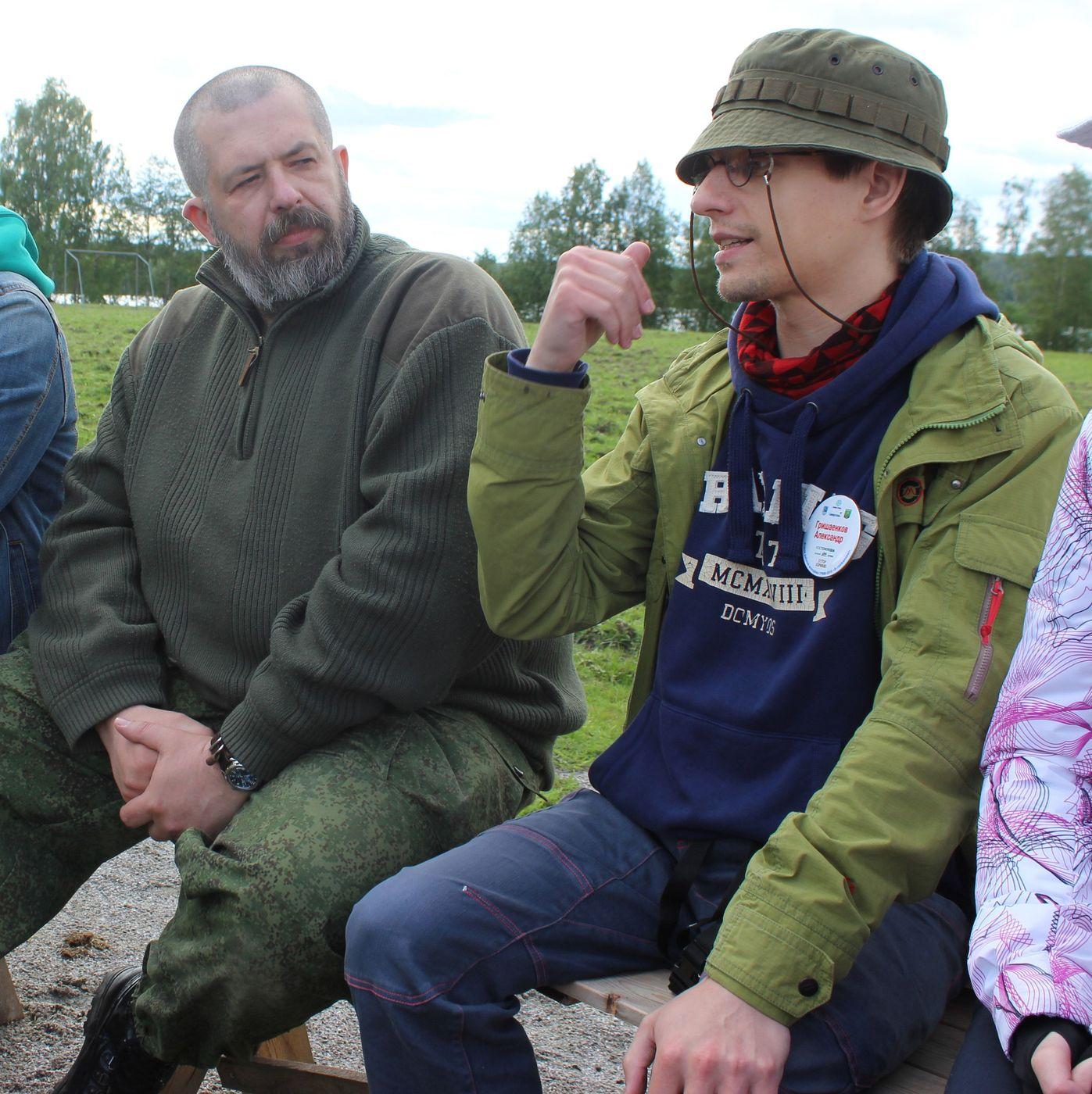 Евгений Колков и Александр Гришаенков на форуме «ТРИМ». Фото из газеты «Новости Костомукши»