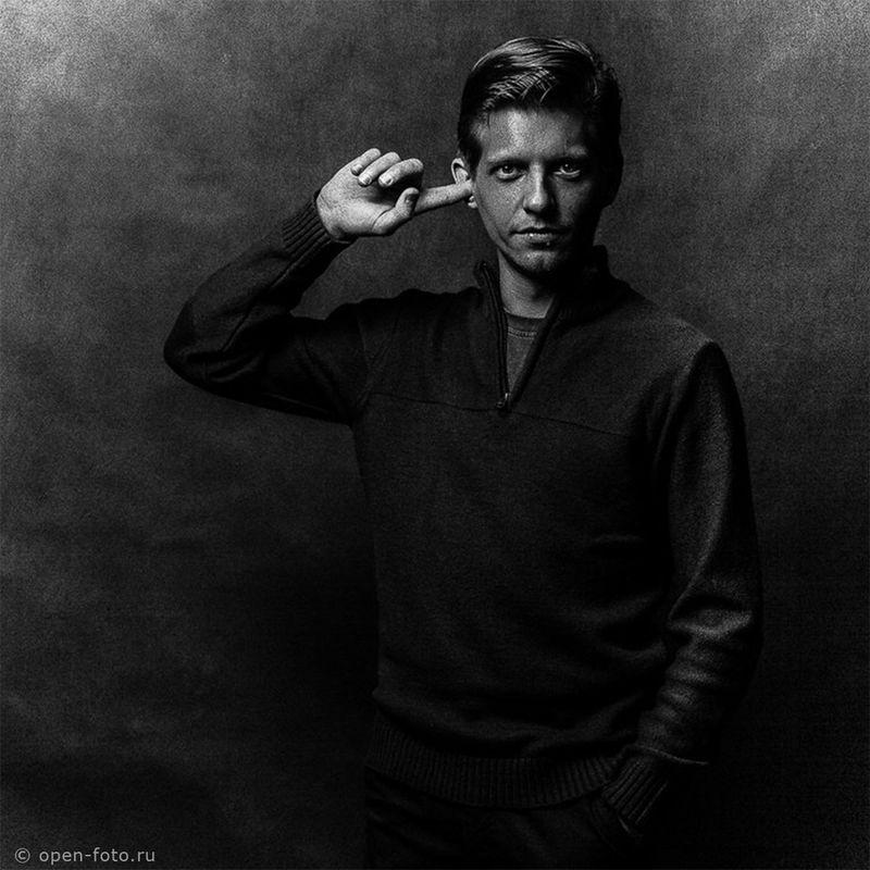 Черно-белый портрет. Фотограф Александр Гришаенков. Автор фото - Евгений Колков