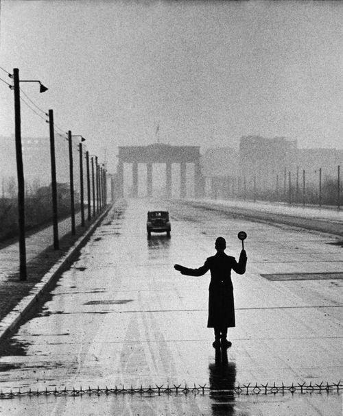 Черно-белая фотография. 1953 год, фотограф Ralph Crane