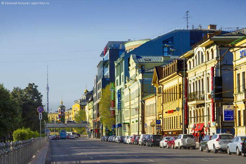 Цветной бульвар. Фотограф - Евгений Колков