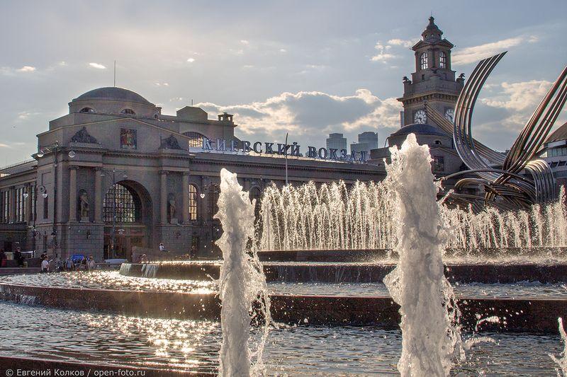 Фотопрогулка. Площадь Европы. Фотограф - Евгений Колков