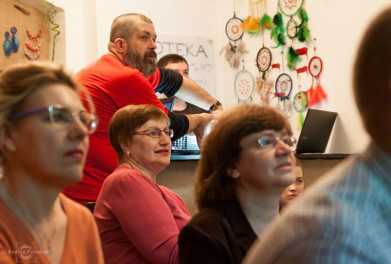 Евгений Колков и участники мастер-класса о фотографии в путешествии. Фото Андрея Петракова