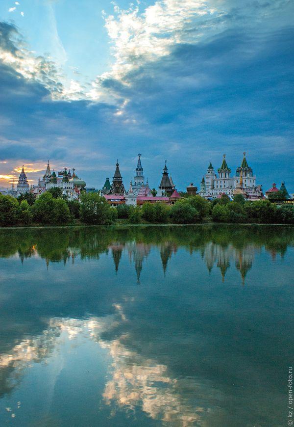 Измайловский остров. Вид на Измайловский Кремль. Фото Ксении Ждановой
