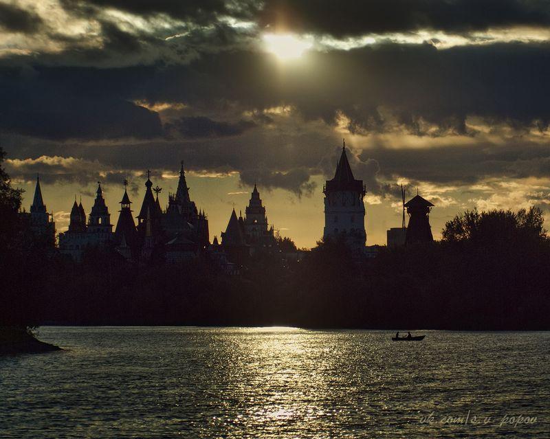 Измайловский остров. Вид на Измайловский Кремль. Фото: Сергей Попов