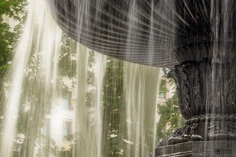 Фонтаны центра Москвы. Фото: Евгений Колков