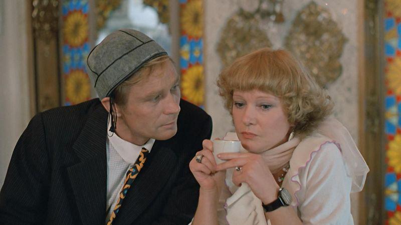 Любовь и голуби. Кадр из фильма