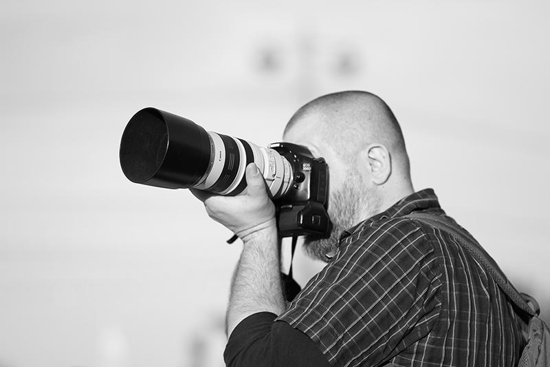 Евгений Колков на одной из фотопрогулок Школы фотографии OPEN FOTO