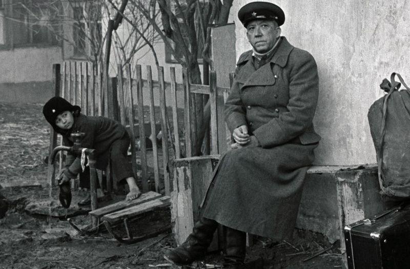 Двадцать дней без войны. Кадр из фильма