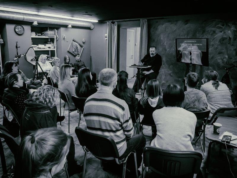 Открытый урок в Школе фотографии OPEN FOTO. Фото: Михаил Шохин